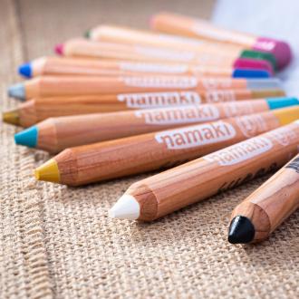 12 couleurs de crayons de maquillage pour satisfaire toutes les envies 🤗 Quel est votre favori ? . . . #occupationenfant #bio #naturel #enfants #deguisement #maquillage #maquillagebio #maquillagedeguisement #maquillageenfant #maquillageenfantbio #activitesenfants #parents #developpement #enfamille #ideescreatives #environnement #ecologie #cosmetiquebioenfant #cosmetiqueenfant #sedeguiser #fun #ludique #fete #jeux #organic #ideecadeau #crayons #carnaval