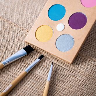 Multipliez les possibilités pour vos maquillages de déguisements avec le kit 3 pinceaux 🥰 . . . #occupationenfant #bio #naturel #enfants #deguisement #maquillage #maquillagebio #maquillagedeguisement #maquillageenfant #maquillageenfantbio #activitesenfants #parents #developpement #enfamille #ideescreatives #environnement #ecologie #cosmetiquebioenfant #cosmetiqueenfant #sedeguiser #fun #ludique #fete #jeux #cadeauresponsable #organic #ideecadeau #pinceauxmaquillage #pinceaux