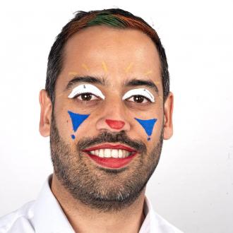 Qui est Vincent ? Le président et fondateur rigolo de Namaki 🤡 Retrouver son maquillage pas à pas en IGTV ☺️ . . .  #bio #naturel #enfants #deguisement #maquillage #maquillagebio #maquillagedeguisement #maquillageenfant #maquillageenfantbio #activitesenfants #parents #developpement #enfamille #ideescreatives #environnement #ecologie #cosmetiquebioenfant #cosmetiqueenfant #sedeguiser #fun #ludique #fete #jeux #organic